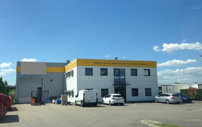 SAINT PRIEST – Bâtiment d'activité secteur Champdollin – 980 m²