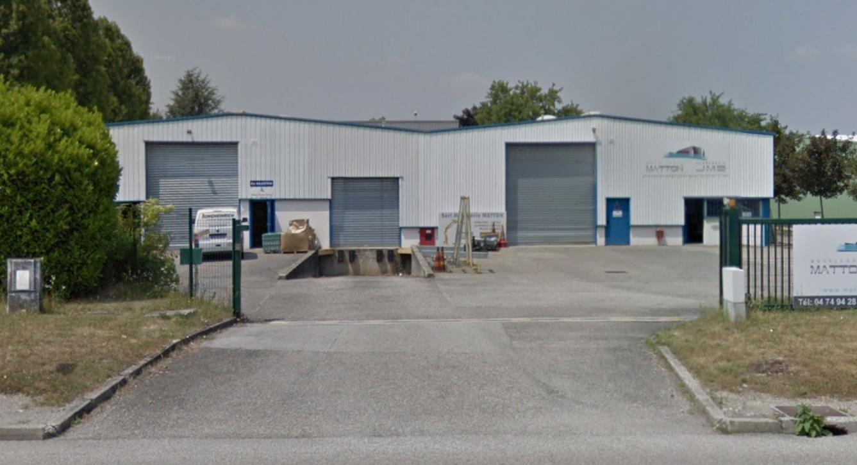 Local d'activité – 450 m² à louer – Saint Quentin Fallavier
